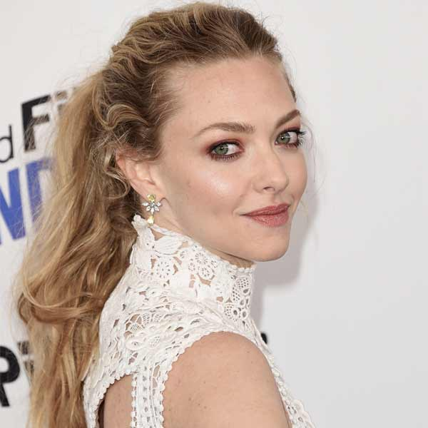 Amanda Seyfried porte des bijoux Piaget jewelry aux Spirit Awards